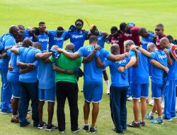 windies-team-huddle-in-training