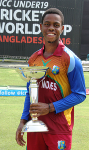 Hetmyer-with-the-U-19-World-Cup-Trophy